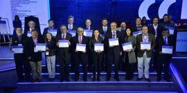 Grupo de representantes de las empresas premiadas por la Cámara Chilena de la Construcción (CChC).