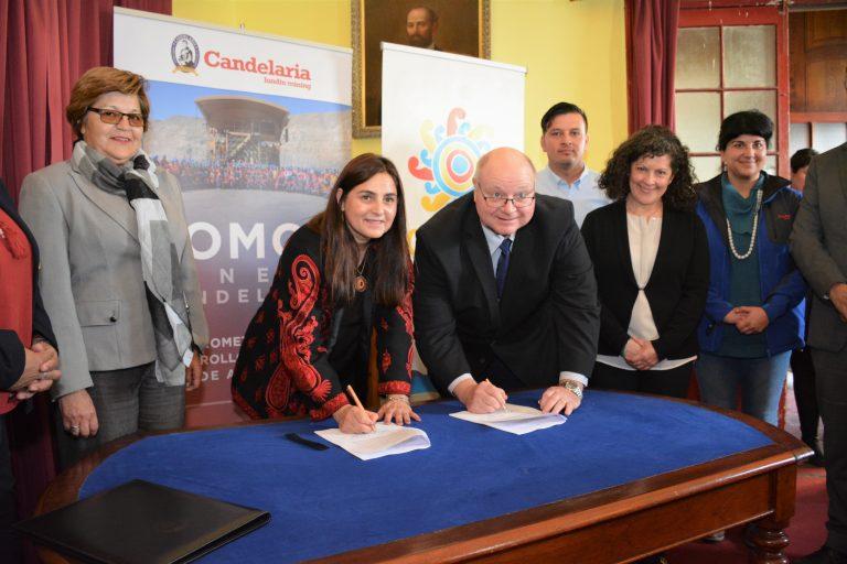 Firma acuerdo Minera Candelaria municipalidad de Caldera