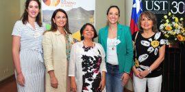 Milka Casanegra, Fabiola Olate, Juanita Galaz, Isabel Varas y María Isabel González