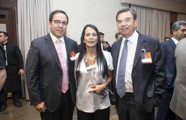 Carlos Arriagada, Collahuasi; Bernardita Fernández, Collahuasi; Felipe Celedón, Sonami.