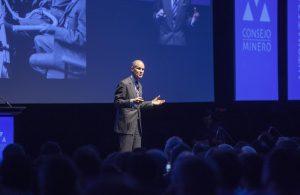 El economista Geoff Colvin puso en relieve los atributos de la interacción personal. Fotografía: Rayen Luna Solar – MINERÍA CHILENA