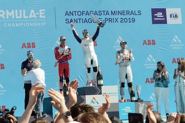 Ganadores de la carrera en Santiago, 2019.