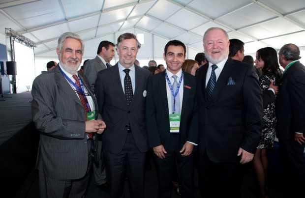 Ricardo Cortés, presidente Grupo Editorial Editec; Andrés Aguirre, presidente de Aprimin; Cristián Solis, gerente general Editec; Juan Carlos Olivares, gerente general Aprimin.
