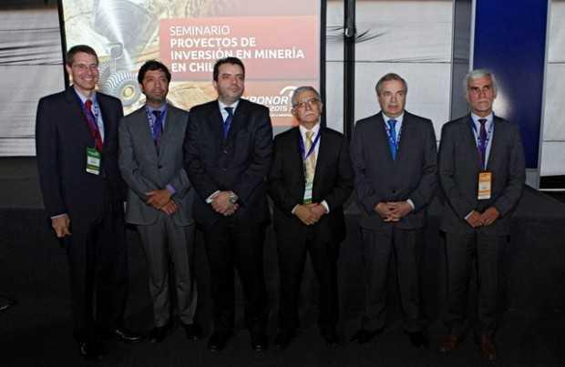 Hilmar Rode, CEO de Minera Escondida; Osvaldo Pastén, primer vicepresidente AIA; Ignacio Moreno, subsecretario de Minería; Nelson Pizarro, presidente ejecutivo de Codelco; André Sougarret, gerente general de Minera Centinela; Fernando Cortez, gerente general AIA.