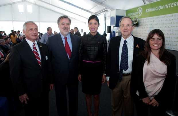 Patricio Céspedes, Sonami; Alejandro Guillier, senador; Karen Rojo, alcaldesa de Antofagasta; Horacio Undurraga, director y fundador de TTM; Paulina Gaete, TTM.