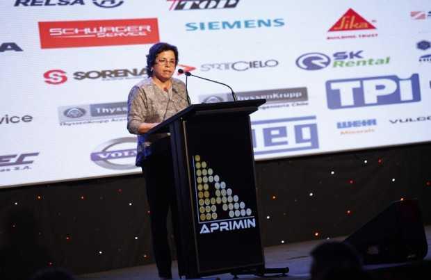 La ministra de Minería cerró la etapa de discursos en la velada.