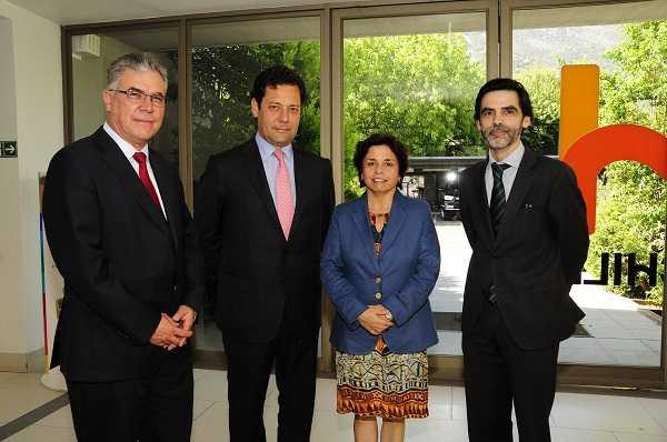 Christian Schnettler, gerente CCM; Joaquín Villarino, presidente Consejo Minero; Aurora Williams, ministra de Minería; Hernán Araneda, gerente de Innovum FCH.