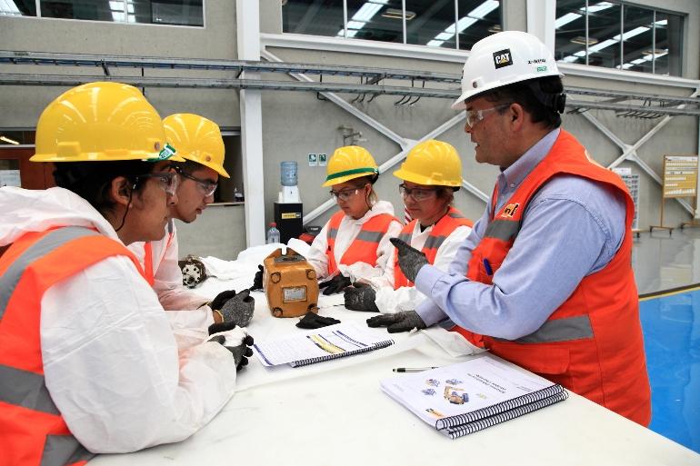 Trabajadores se certifican en mantenimiento a través de ...