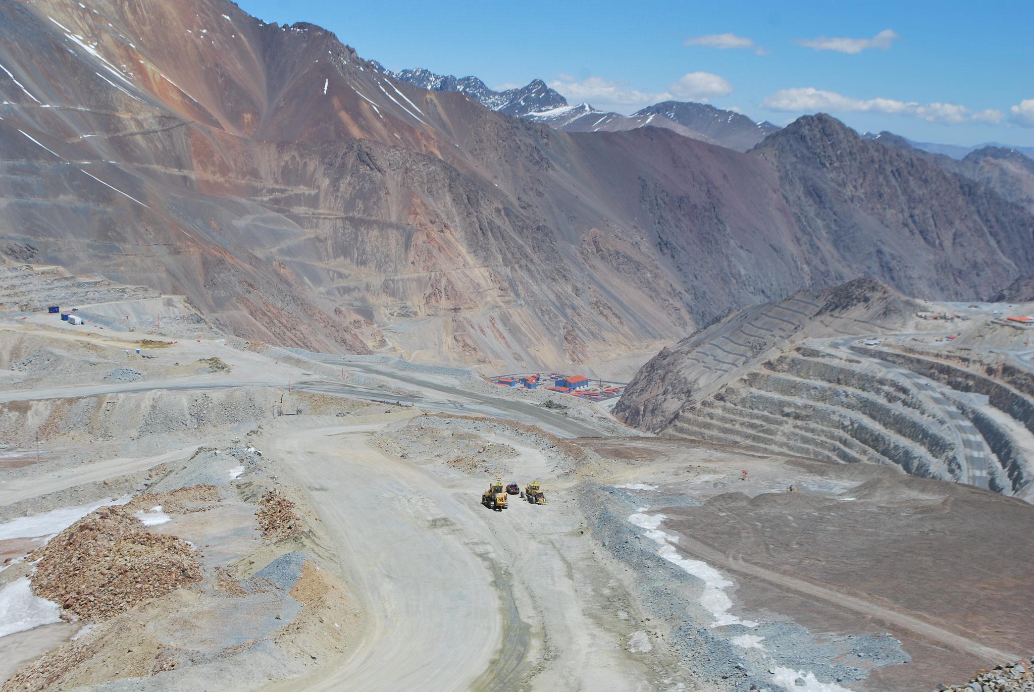 Sector botadero de Cerro Amarillo, Minera Los Pelambres