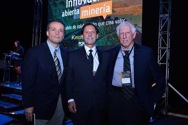 Óscar Landerretche, presidente de Codelco; Iván Arriagada, presidente ejecutivo de Antofagasta Minerals; Patricio Meller, presidente de Fundación Chile.