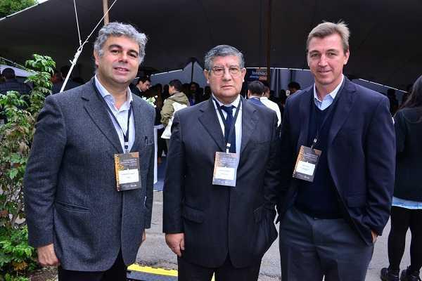 Gerardo Olivares, gerente general de Tesra; Patricio Parodi, gerente comercial de Gesecology; Jamie Riggs, director ejecutivo Emprende FCh.