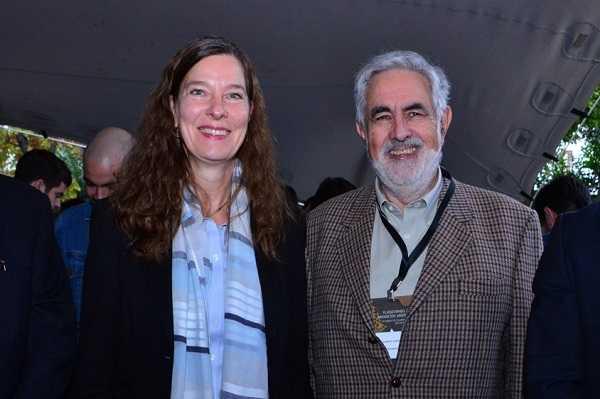 Cornelia Sonnenberg, gerente general de Camchal; Ricardo Cortés, presidente de Grupo Editorial Editec.