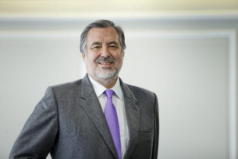 Alejandro Guillier candidato presidencial del pacto Fuerza de la Mayoría.