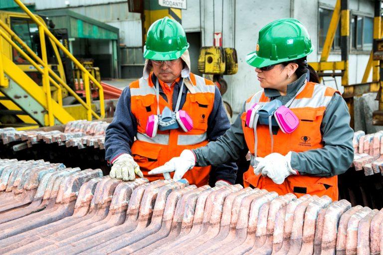 Trabajadores de Codelco Ventanas (Foto: Codelco)