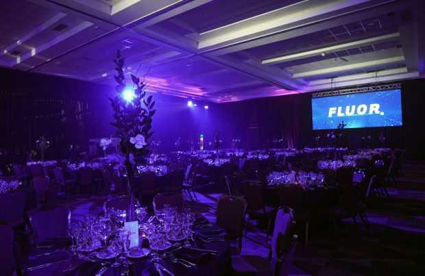 Salón preparado para los invitados