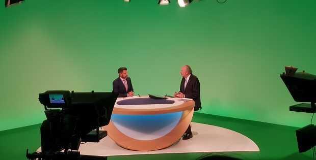 Entrevista con canal de televisión Deutsche Welle. Foto: Gentileza Ministerio de Minería.