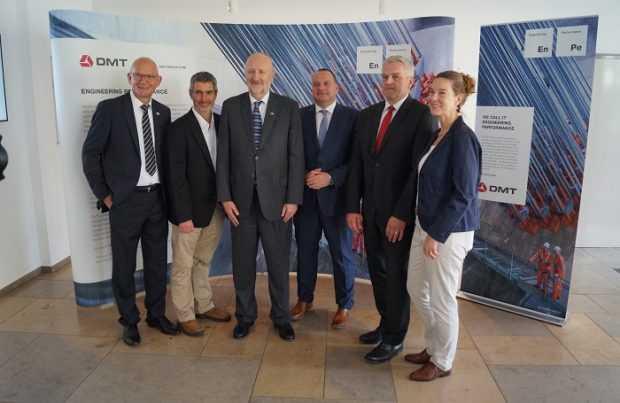 1. Ministro Prokurica en reunión con DMT Group..
