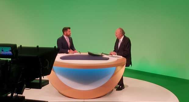 5. Ministro Prokurica en entrevista con Deutsche Welle.
