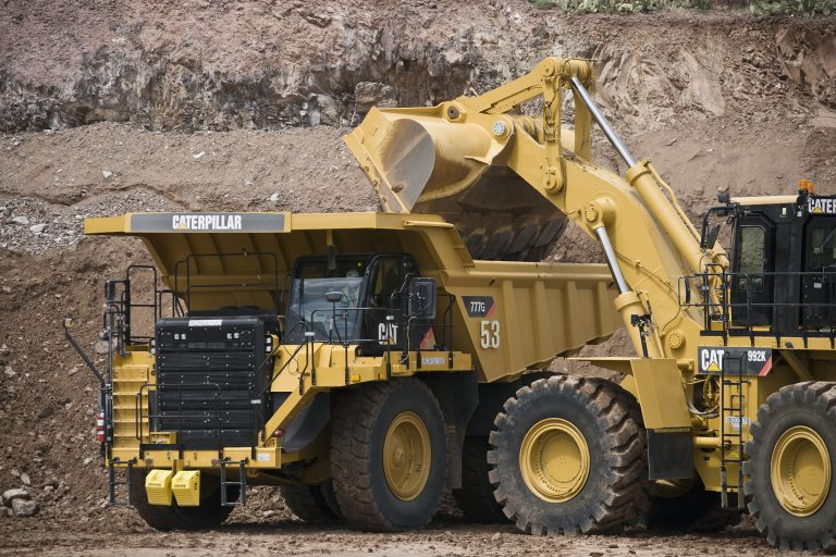 Cat 777G truck and 992K wheel loader