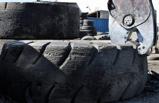 Costos y beneficios del reciclaje de los neumáticos mineros